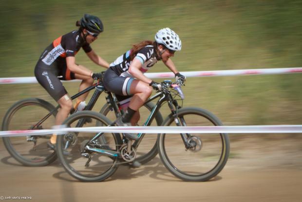 Givin'er in the short track. Photo credit: Chris Vezina
